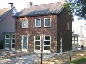 Aanbouw en kelder woning in Stiphout